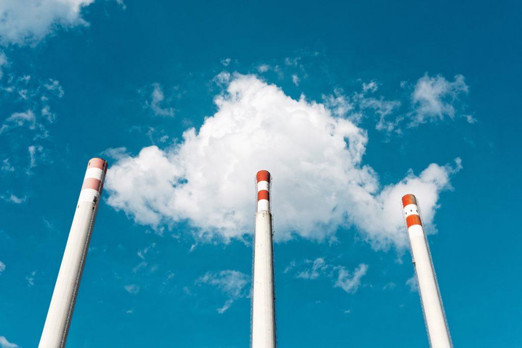 発電所煙突の画像